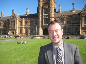 Torben Brinkema vor der University of Sydney. Foto: Privat